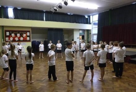 The hoddesdon school trust flashmob 1