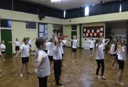 The hoddesdon school trust flashmob 2